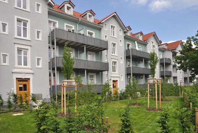 Sanierte Hauszeile Teichstraße 69-79 Rückansicht