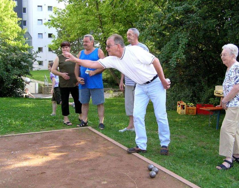Turniere auf der selbstgebauten Boulebahn